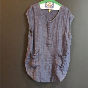 Free people tunic with pockets.
